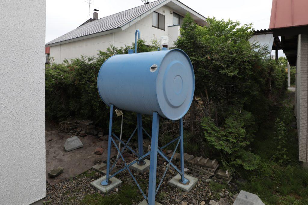 交換するホームタンク。40年以上使用しました。